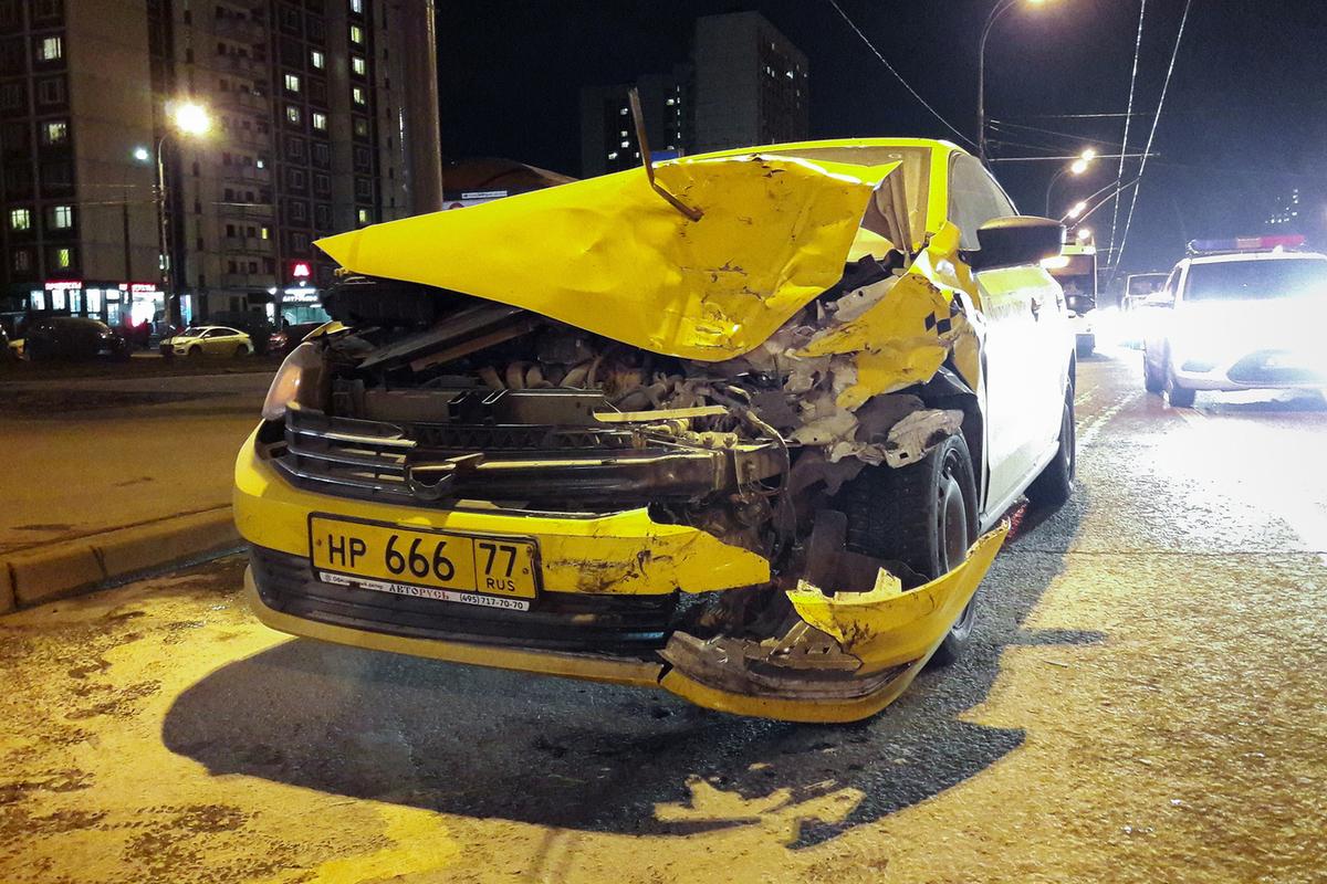 фото разбитых машин таксистов женщина