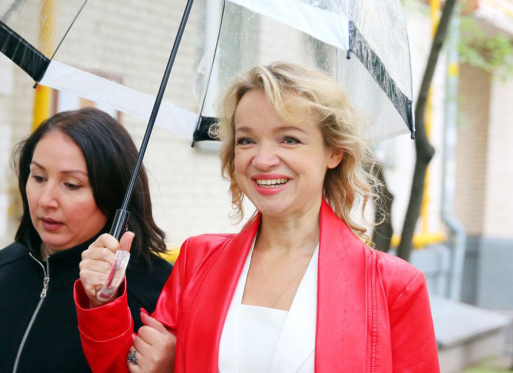 Виталина Цымбалюк-Романовская перед судом улыбалась и заигрывала с журналистами