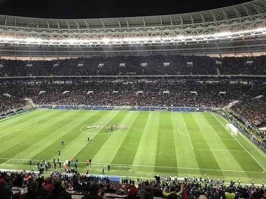 Наставник попросил футболистов не расслабляться после исторического матча