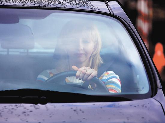 Обучение вождению по половому признаку: зачем нужны автошколы для дам