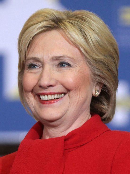 """""""Это как если бы...после 11 сентября Джордж Буш сказал: «ну, знаете, у меня нет времени для встреч. У меня нет времени беспокоиться об этом"""", - заявил Хиллари"""