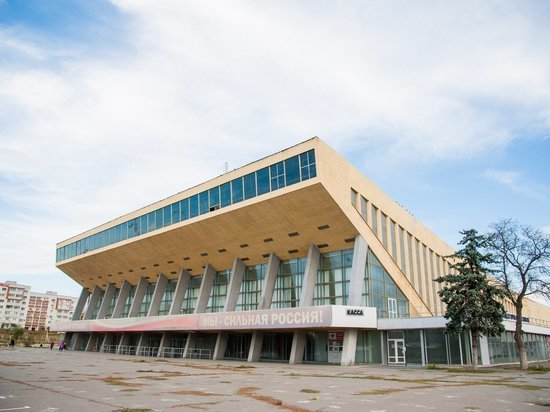 Волгоградский Дворец спорта восстановят за 400 млн рублей