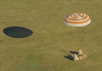 Сегодня на Землю вернулись три члена экипажа длительной экспедиции на Международную космическую станцию — россиянин Олега Артемьева, американцы Ричарда Арнольда и Эндрю Фойстела