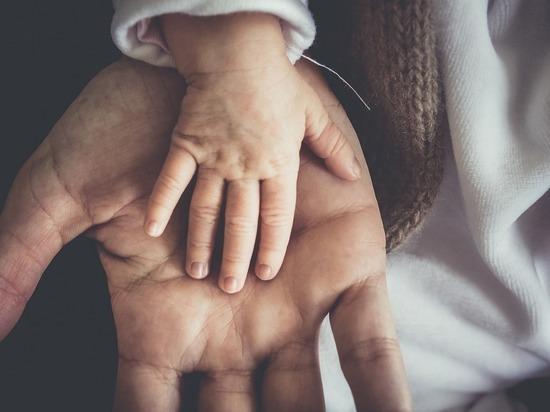 Недостаток «мужских» гормонов помог стать хорошим отцом