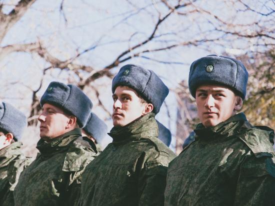 Российская армия перестанет носить ушанки и пилотки