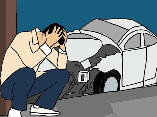 В Улан-Удэ водитель врезался в препятствие