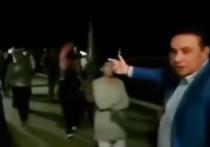 Видеоблогер и активист «Левого фронта» Вахтанг Езугбай оказался под административным арестом, всего лишь попытавшись заговорить с мэром Сочи