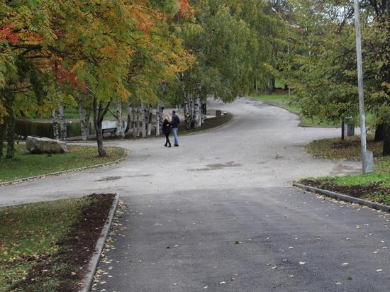 В Петрозаводске благоустроили старый парк и открыли новую аллею