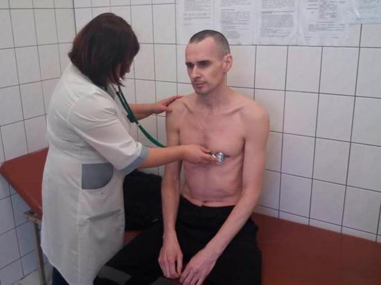 Сенцов объяснил прекращение голодовки: «Мое мнение уже не учитывается»