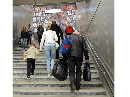 Новые станции Солнцевской линии оказались труднодоступными для стариков и инвалидов