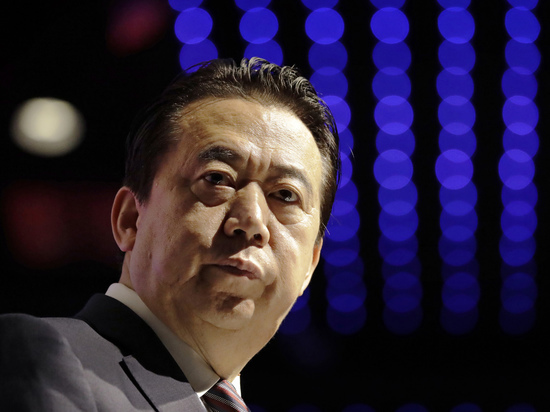 Интерпол: Пропавший президент, аМэн Хунвэй подал вотставку