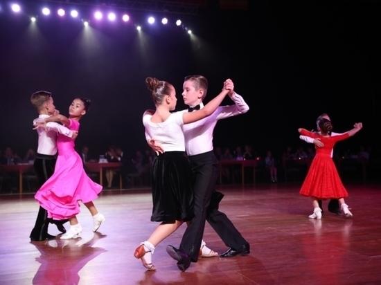В Чувашии за звание лучшей танцевальной пары борется 221 дуэт