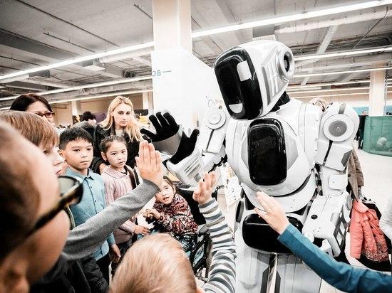 Это надо видеть: в Симферополе нашествие роботов!