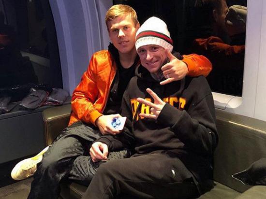 Российские футболисты Кокорин и Мамаев избили московского чиновника - Общество