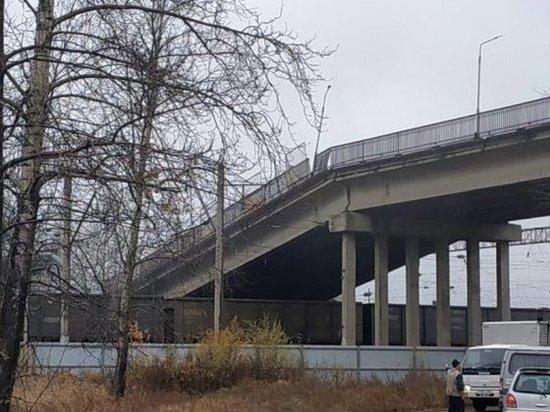 Второй за сутки автомобильный мост рухнул в России