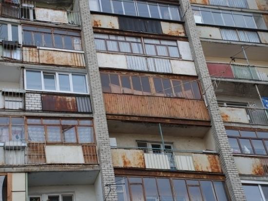 В столице Бурятии пьяная девушка выпала с пятого этажа