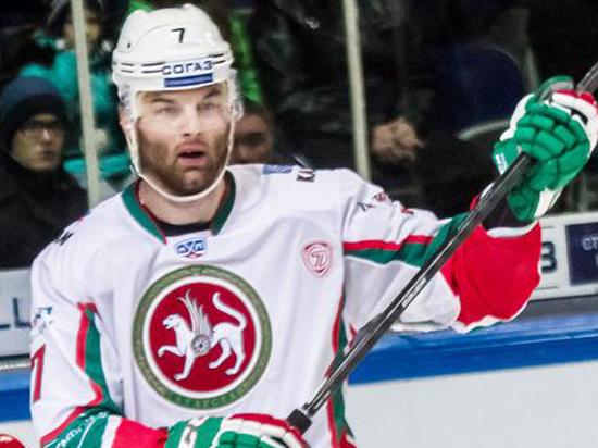 Эксперт прокомментировал скандал в матче КХЛ