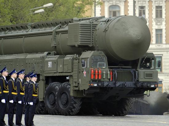 Российская армия увеличила закупку «надувных» «Тополей» и «Искандеров» - политика