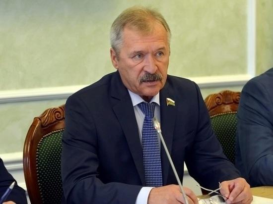 Югорскому депутату Владимиру Нефедьеву некогда сидеть вкабинете