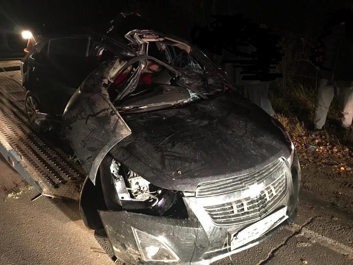 Водитель погиб, а девушку зажало в искореженной легковушке на трассе между Дубной и Кимрами