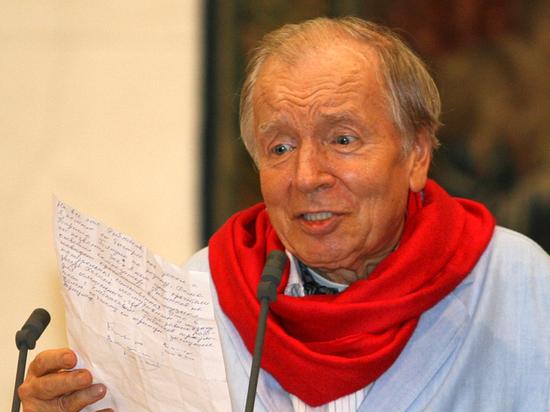 На вечере памяти Вознесенского зал читал стихи вместе с Машковым