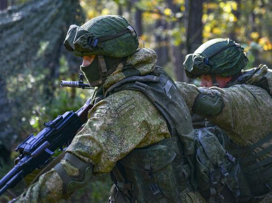 Российских военнослужащих будут чипировать