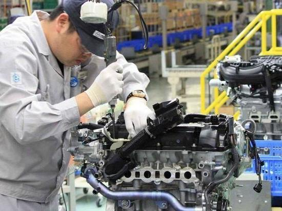 Артамонов просит дать льготы производителям автокомпонентов