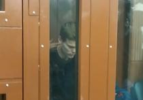 Тверской суд Москвы 11 октября вечером заключил под стражу до 8 декабря российского футболиста, нападающего клуба «Зенит» Александра Кокорина, подозреваемого в хулиганстве и нанесении побоев