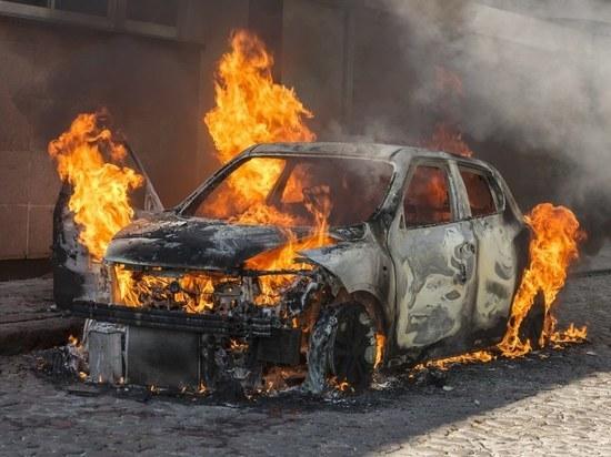 В поселке Строитель сгорел автомобиль