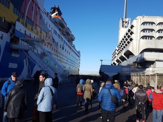 В Петербурге эвакуировали пассажиров Морского вокзала