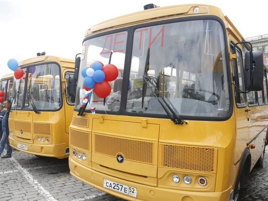 Свердловские власти продолжают обновлять парк школьных автобусов