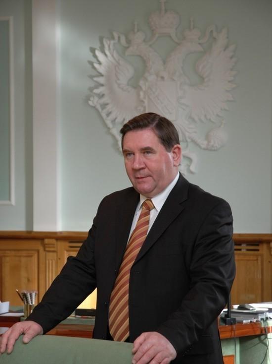 Губернатор Курской области уехал из региона