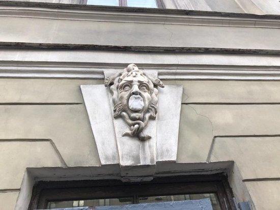 С маскаронов убрали неизвестный состав в Петербурге