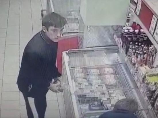 В Новосибирске задержали хладнокровных похитителей сосисок