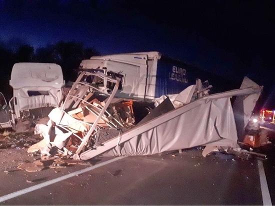 Три грузовика столкнулись на трассе М-7 в Нижегородской области