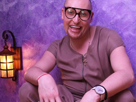 «Возвращаемся в 90-е»: певец Шура пожаловался на попытку взлома