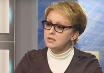 Потерявшая после скандала должность министра труда, занятости и миграции Саратовской области Наталья Соколова в течение четырех лет получала материальную помощь