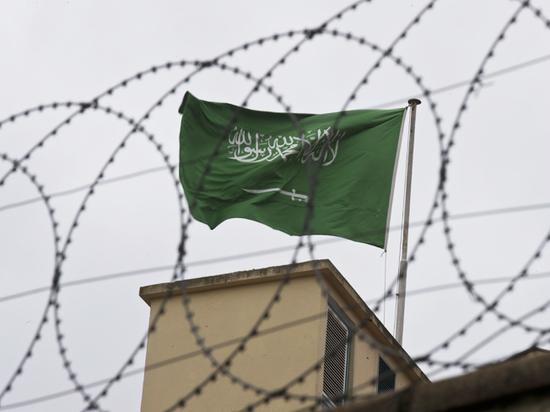 """Эксперты раскритиковали запись убийства саудовского журналиста """"умными"""" часами"""