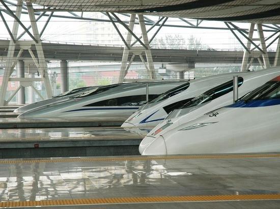В России заговорили о переходе на беспилотные поезда