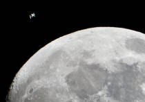 В интернете набирает популярность видео, на котором можно увидеть столкновение Луны с астероидом невероятных размеров — во всяком случае, именно на этом настаивает автор ролика