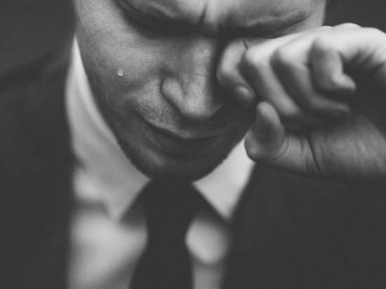 Плакать полезнее, чем смеяться, доказали японские эксперты