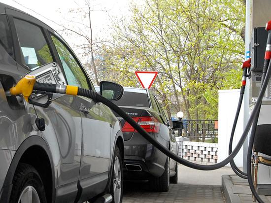 Прогноз Счетной палаты о резком росте цены бензина подтвердили эксперты
