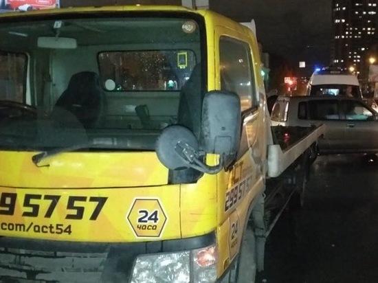 Эвакуатор «АСТ-54» сбил человека на переходе