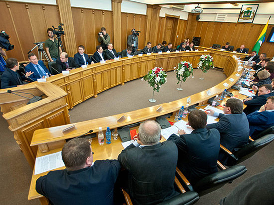 В Екатеринбургской гордуме конец депутатского демарша