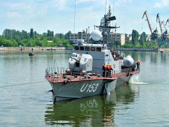 """ВМС Украины пригрозили """"применить силу"""" в Азовском и Черном морях"""