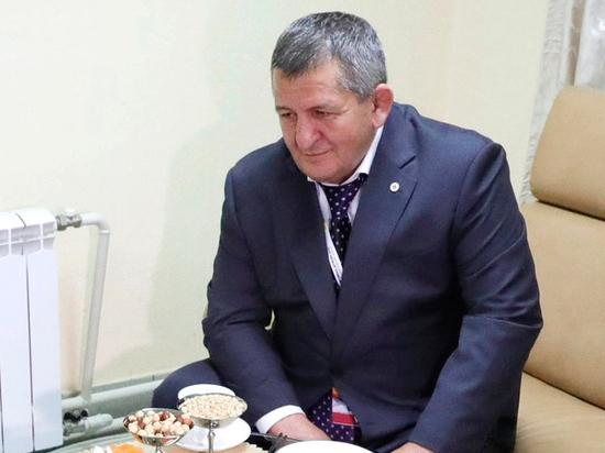 Отец Нурмагомедова опроверг желание сына стать гражданином Украины