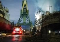 Спасатели сняли мини-блокбастер о тушении огромного пожара на кораблях в Омске