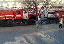 Пожарные расчеты прибыли к тульскому «Гостиному двору» из-за образовавшегося пара
