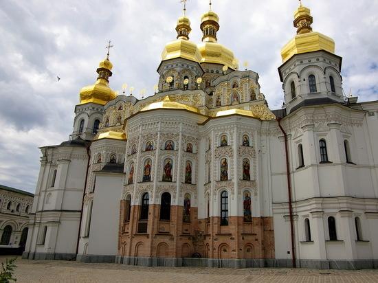 Киево-Печерская лавра приготовилась к обороне: «Сами не уйдем»