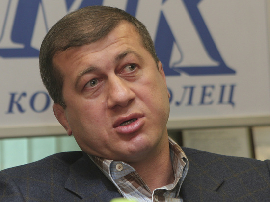 "Дзамболат Тедеев: ""Если вольники возьмут два-три золота на ЧМ, буду доволен"""